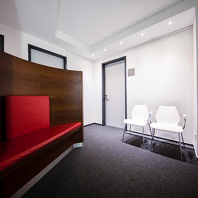 Sitzecke im Wartebereich bei Kribus Augenarzt